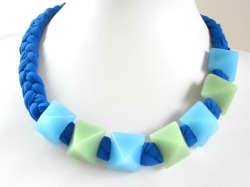 Fabrics: lycra + resin