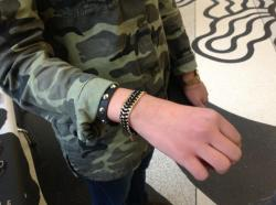 Again...camo and chain <3